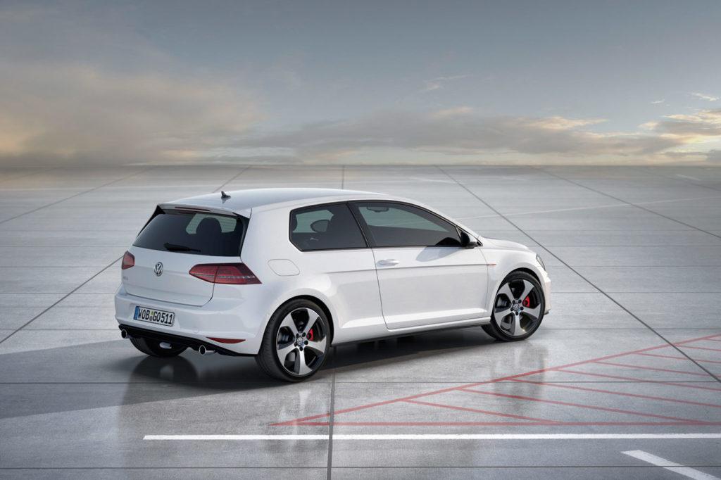 Volkswagen_Golf_7_GTI